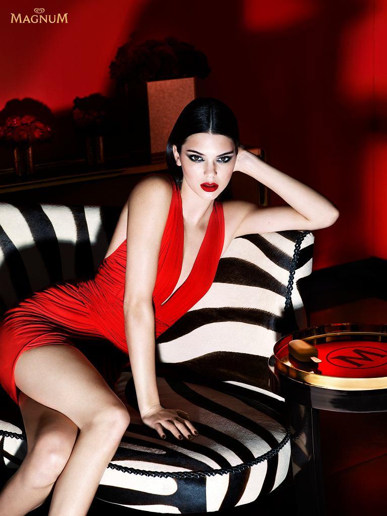 Kendall Jenner w sesji 'Release the Beast' promującej nowe smaki Magnum Double
