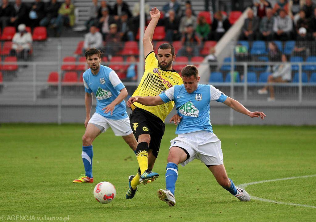 Rafał Remisz (z prawej) podczas meczu towarzyskiego z rezerwami Borussi Dortmund