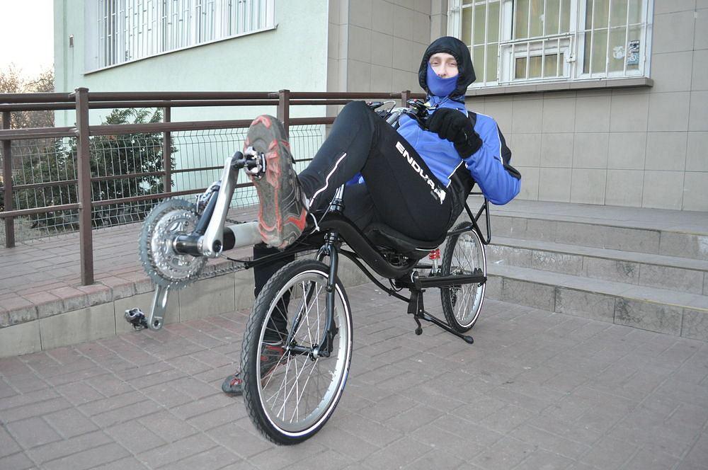 Opaska, czapka, kominiarka, buff - wybór nakryć głowy na rower jest bardzo szeroki.