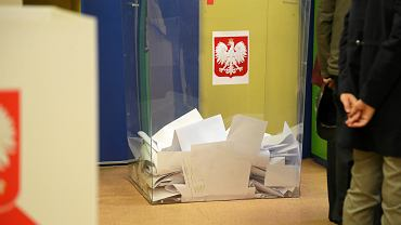 PiS szykuje kolejne zmiany. Wybory korespondencyjne dla wszystkich. Pomysłów więcej