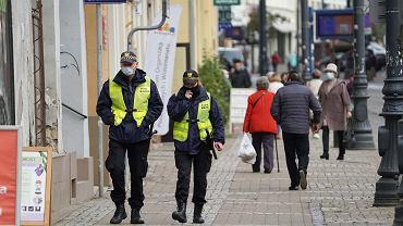 Strażnicy miejscy oddelegowani do działań związanych z walką z pandemią to niemal połowa personelu