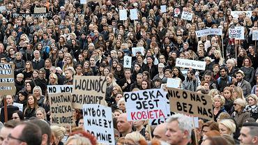 Ogólnopolski strajk kobiet. Pl. Solidarności, Szczecin, 3 października 2016
