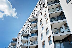 """Jest nowy pomysł rządu na """"Mieszkanie plus"""". Czy młodzi wybiorą tę opcję zamiast kredytu na 30 lat?"""