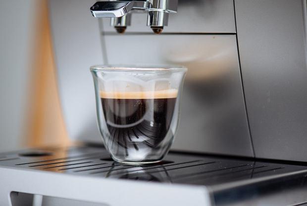 Espresso z ekspresu De'Longhi