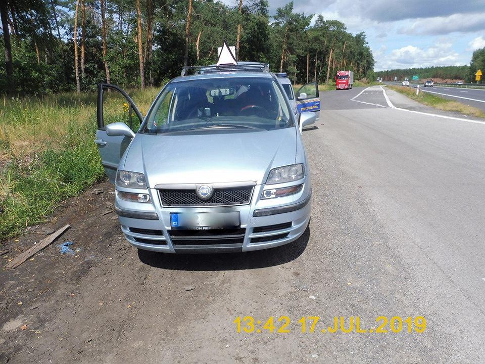 Goleniów. Mieszkańcy miasta pomogli czeskiej rodzinie, która na trzy dni utknęła na nieczynnym parkingu z powodu zepsutego samochodu