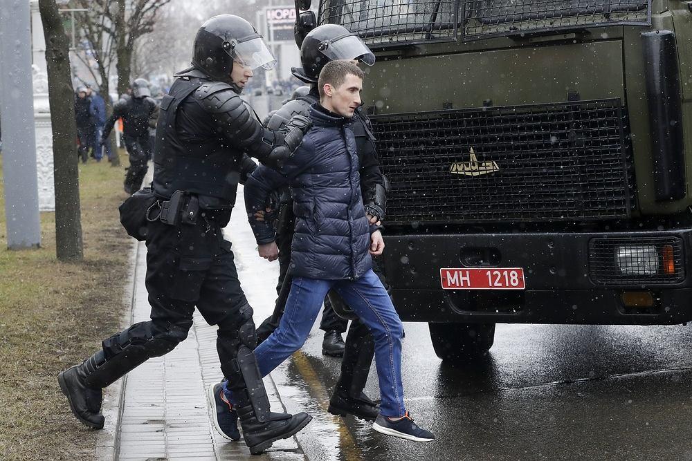 Białoruska milicja rozpędziła wiec opozycji