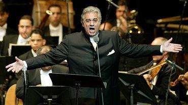 Placido Domingo podczas występu w 2004 roku.