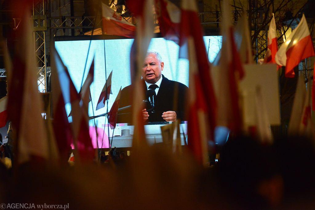 Przemówienie Jarosława Kaczyńskiego na Krakowskim Przedmieściu