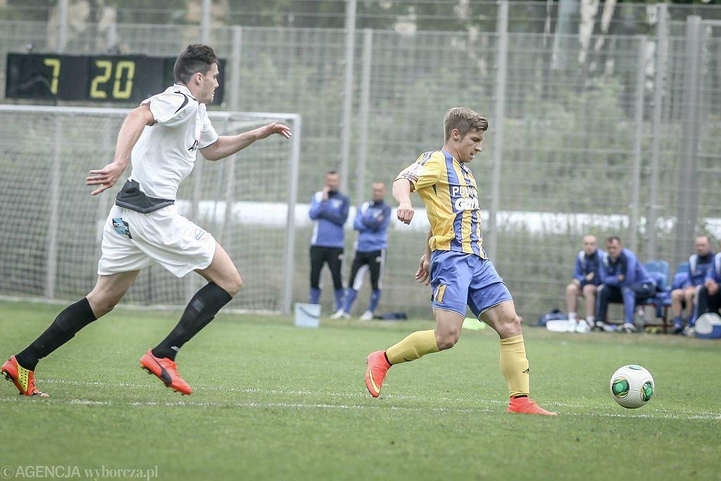 Arka Gdynia - AFE Hiszpania 0:2. Na zdjęciu Aleksander Jagiełło