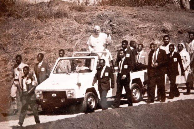 Karenjy jako Papamobile Jana Pawła II w 1989 roku