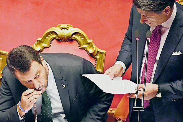 Matteo Salvini i  Giuseppe Conte podczas obrad parlamentu, 20 sierpnia 2019.