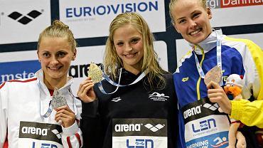 Aleksandra Urbańczyk (z lewej) ze srebrnym medalem mistrzostw Europy w Herning