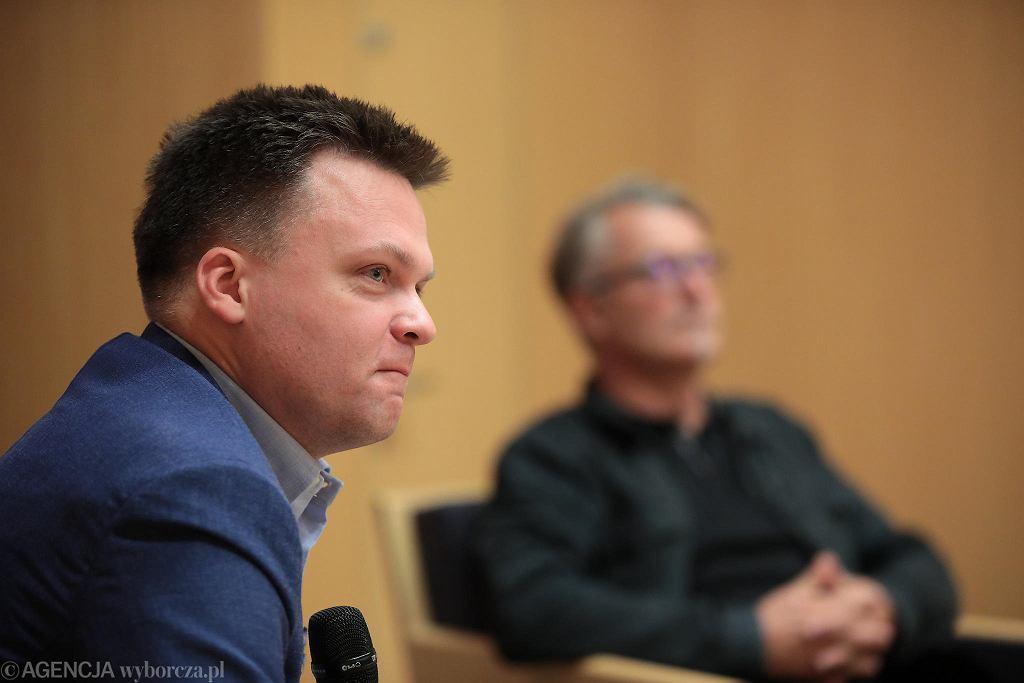 Szymon Hołownia i Piotr Głuchowski podczas dyskusji na temat książki 'Uzurpator. Podwójne życie prałata Jankowskiego'w siedzibie redakcji 'Gazety Wyborczej'