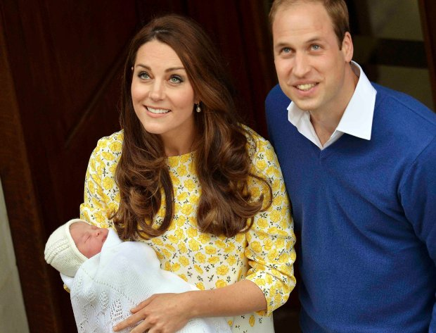 Britain's Prince William and his wife Catherine, Duchess of Cambridge, appear with their baby daughter outside the Lindo Wing of St Mary's Hospital, in London, Britain May 2, 2015. The Duchess of Cambridge, gave birth to a girl on Saturday, the couple's second child and a sister to one-year-old Prince George.        REUTERS/John Stillwell/pool