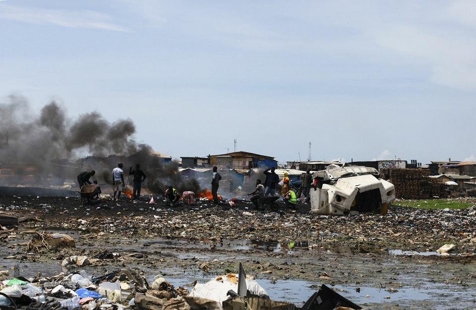 23.05.2019 Agbogbloshie .Pożar na największym wysypisku elektrośmieci w Ghanie.