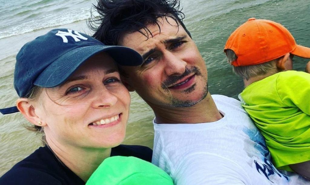 Mateusz Damięcki i Paulina Andrzejewska z dziećmi