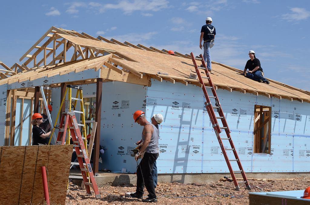 Budowa domu (zdjęcie ilustracyjne)