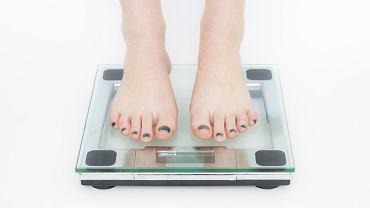 Niskie kobiety szybciej tyją i trudniej im schudnąć