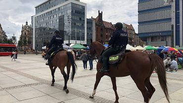Patrol na rynku w Katowicach