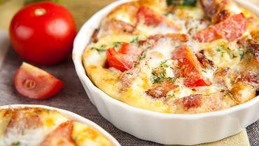 Frittata pochodzi z Włoch, a jej nazwa wzięła się od włoskiego słowa frittare, co oznacza smażyć