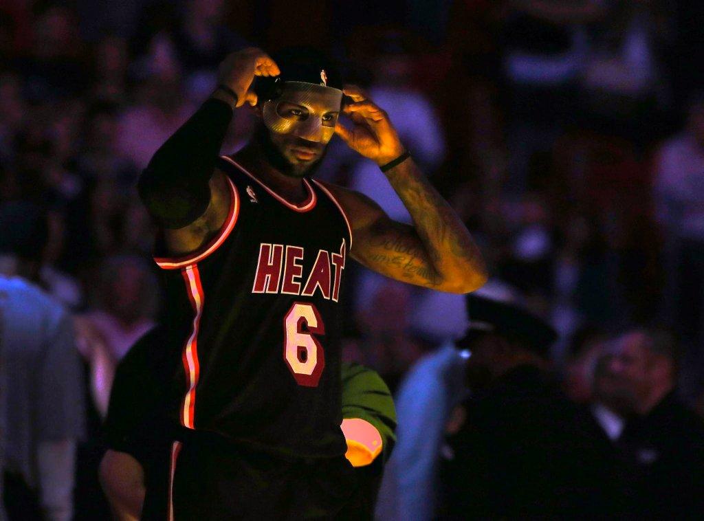 LeBron James w meczu z Orlando