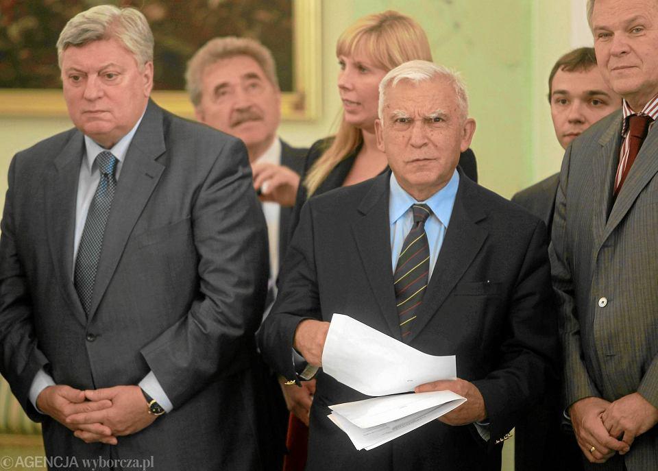 Anatolij Torkunow i Adam Rotfeld - szefowie Polsko-Rosyjskiej Grupy ds. Trudnych. Spotkanie w Pałacu Prezydenckim 10.2010