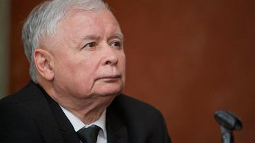 Jarosław Kaczyński w szpitalu przeszedł zabieg. Na co jest chory? PiS informuje, że chodzi o kolano