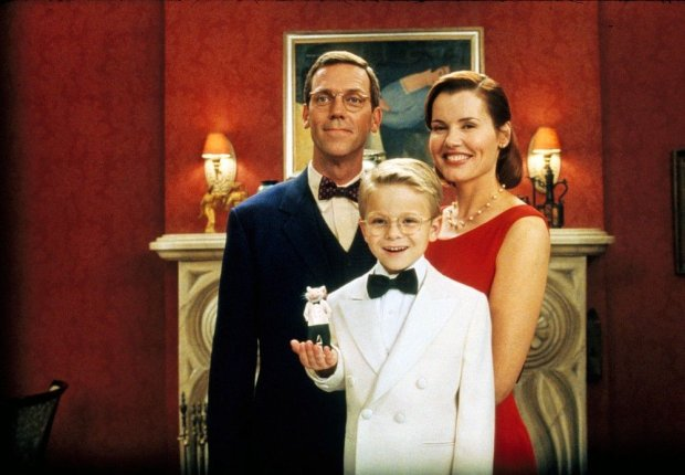 STUART LITTLE (GER/US 1999) COLUMBIA PICTURES HUGH LAURIE, JONATHAN LIPNICKI, GEENA DAVIS Picture from the Ronald Grant Archive STUART LITTLE (GER/US 1999) COLUMBIA PICTURES HUGH LAURIE, JONATHAN LIPNICKI, GEENA DAVIS     Date: 1999