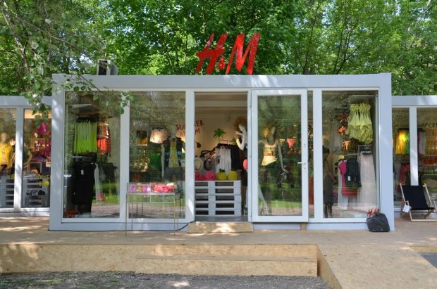 Outletowy pop - up store H&M