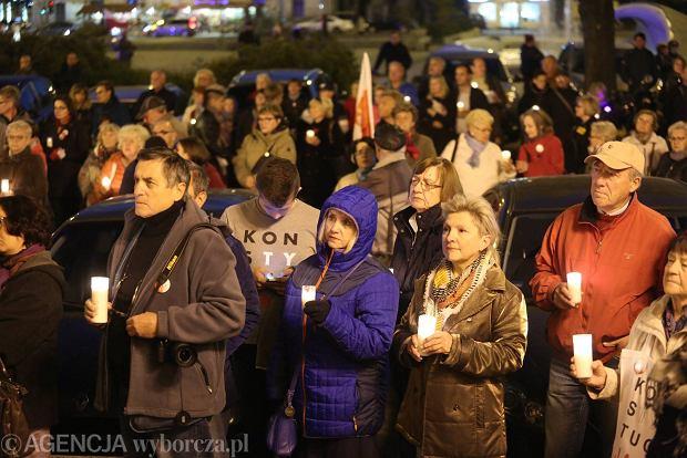 Zdjęcie numer 0 w galerii - Demonstracja KOD w obronie sądów.