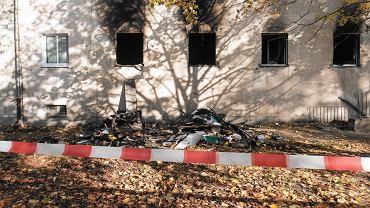 Kamienica przy ul. Akacjowej w Poznaniu po nocnym pożarze 28 października 2021