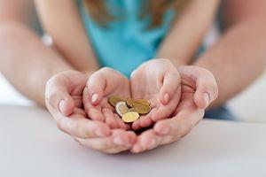 Dodatki i wsparcie finansowe na dzieci. Sprawdź, komu przysługują i jak się o nie starać