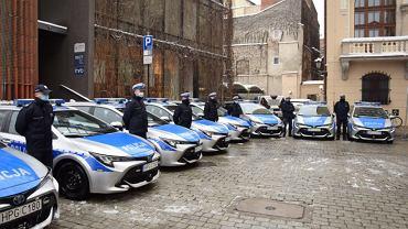 Nowe radiowozy w Krakowie, policja