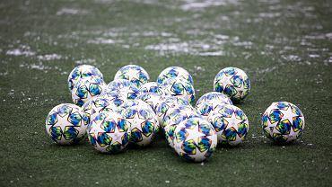 Boisko do piłki nożnej, klub sportowy