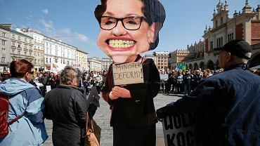 Kraków, wiec poparcia dla strajkujących nauczycieli
