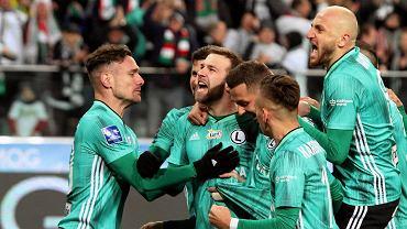 8 marca 2020 r. Domagoj Antolic, piłkarz Legii Warszawa strzelił gola w meczu z Piastem Gliwice. To była ostatnia kolejka Ekstraklasy przed zawieszeniem rozgrywek z powodu epidemii koronawirusa.