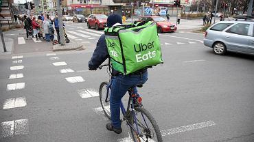 Dostawa Uber Eats, zdj. ilu