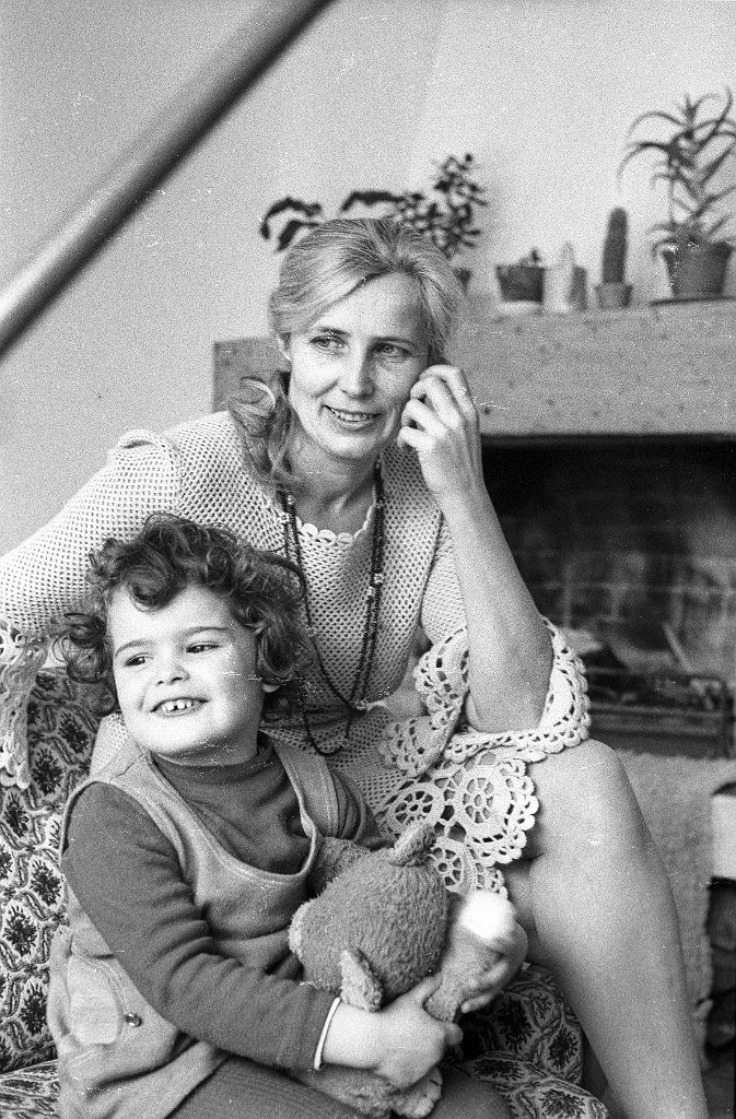 Agnieszka Osiecka z córką 1976 rok