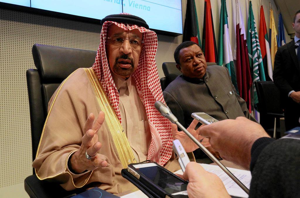 30.11.2017, Wiedeń. Konferencja OPEC, na zdjęciu przewodniczący konferencji minister energii Arabii Saudyjskiej Khalid Al-Falih, na drugim planie nigeryjski sekretarz OPEC Mohammad Sanusi Barkindo.