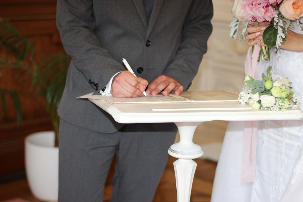 Ślub cywilny. Zdjęcie ilustracyjne