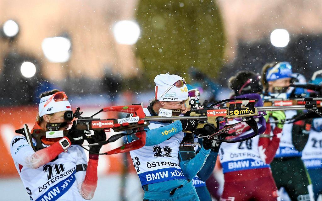 Weronika Nowakowska (pierwsza z lewej)