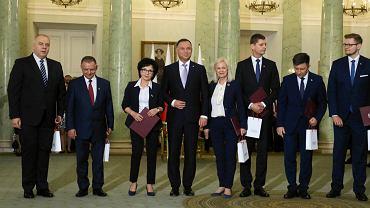 Rekonstrukcja rządu. Pierwszy z lewej Jacek Sasin, który został nowym wicepremierem.