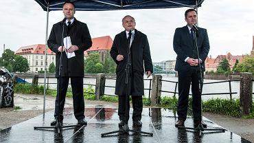 Dawid Jackiewicz, Jarosław Kaczyński i Adam Hofman we Wrocławiu, 2014 r.