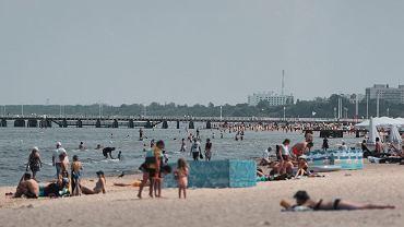 Majówka. Polacy raczej zostaną w domach, ale już planują wyjazd na wakacje [SONDAŻ]