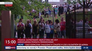 Tłumy przed siedzibą Prokuratury Okręgowej w Świdnicy