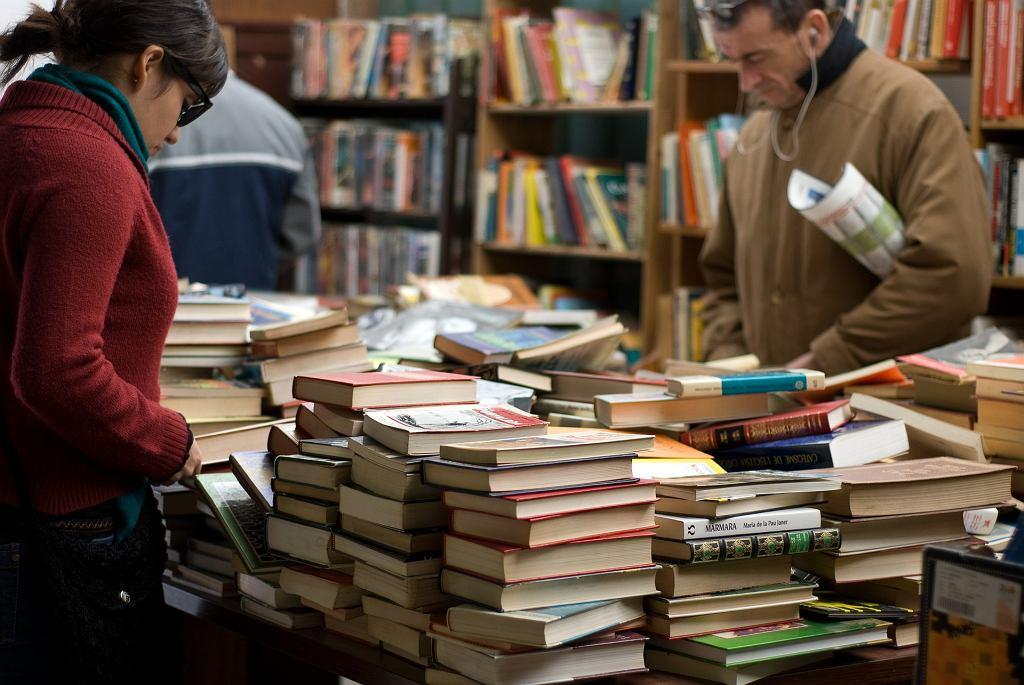 W księgarni - zdjęcie ilustracyjne
