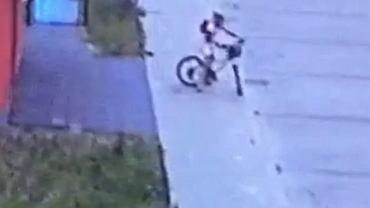 Nastoletnia rowerzystka