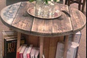 Jaki stolik kawowy wybrać do salonu?
