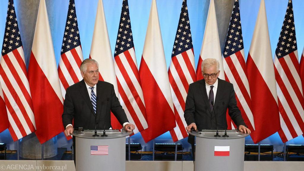 Minister Spraw Zagranicznych Jacek Czaputowicz i Sekretarz Stanu Stanów Zjednoczonych Rex Tillerson podczas konferencji prasowej, 27 stycznia 2018.