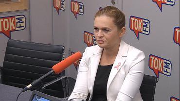 Barbara Nowacka w studiu TOK FM.